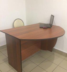 Продам стол с полукруглой приставкой