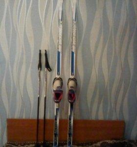 Лыжи+ботинки+лыжные палки.
