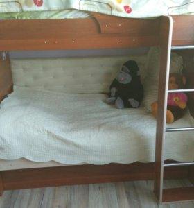 Двухъярусная кровать с шифонером