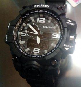 Часы защищенные черные