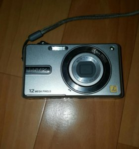 Panasonic dmc-f4