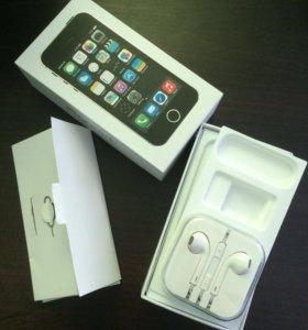 Коробка,наушники,чехол.От IPhone 5s