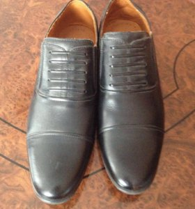 Ботинки на узкую ногу новые 40 размер