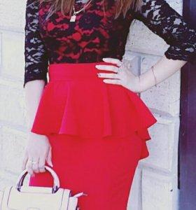 Шикарное платье-баска