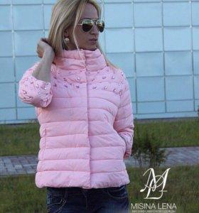 Новая весенняя курточка 42 р