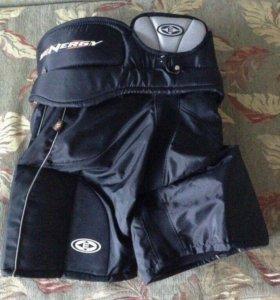 Хоккейные шорты и щитки