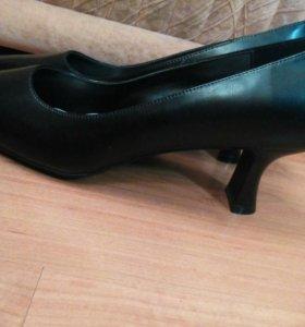 Туфли фирменнные ,кожа