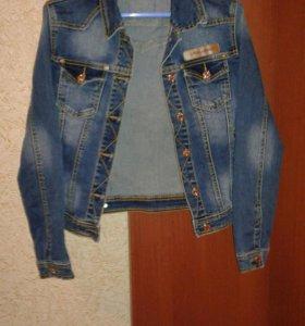 Пиджак  джинсовый .