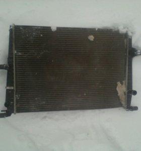 Радиатор охлаждения двигателя Renault Fluence