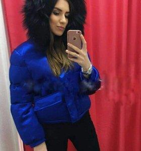 Куртка яркого цвета😍