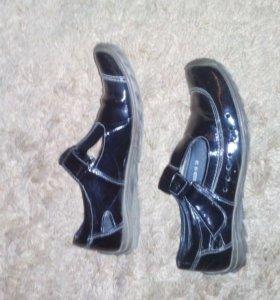 Туфли полуспорт. лаковые