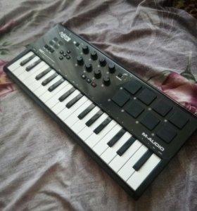 MIDI клавиатура M-AUDIO