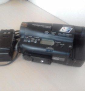Продаю видео камеру Sony касссета