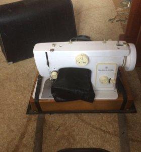 Швейная машина(электрическая)