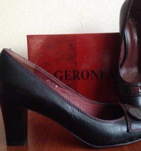 Кожаные  новые туфли 39рр