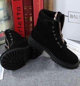 Ботинки BALMAIN черные,замшевые