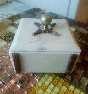 Мраморная шкатулка