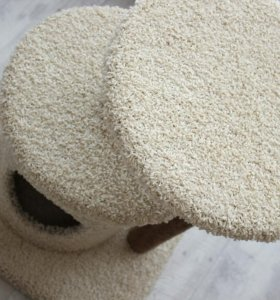 Домик для кошки из ковролина