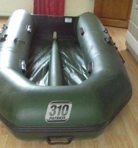 Лодка PATRIOT 310