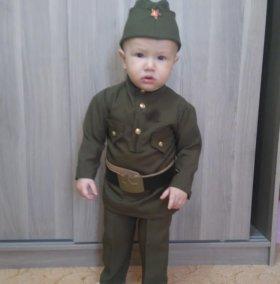 Костюмы военные