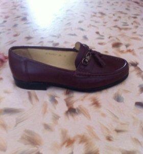 Новые мужские туфли р. 39-40
