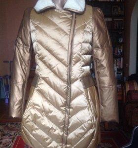 Пальто женское утепленное новое.