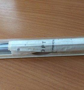 Перьевая ручка, с золотым пером.