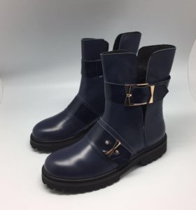 Ботинки McQ