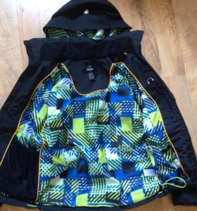 Осенне- весенняя куртка ветровка новая