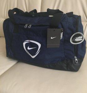 Сумка Nike для спорта и отдыха