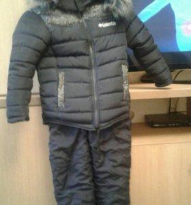 Зимняя куртка. И штаны комбинезон.