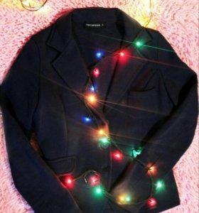Очень классный пиджак! НОВЫЙ!