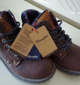 Из Финляндии фирменные ботиночки WRANGLE