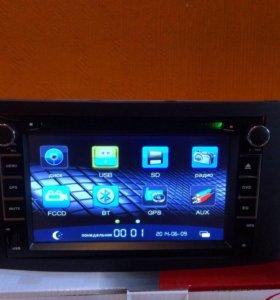 Автомагнитола на Toyota Avensis c GPS.