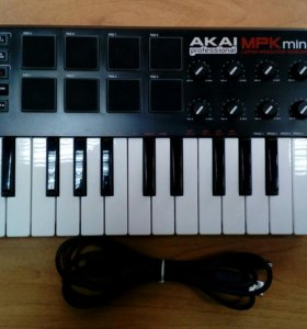 Миди-клавиатура Akai pro MPK mini