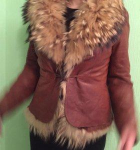 Кожаная куртка с отстёгивающейся меховой жилеткой