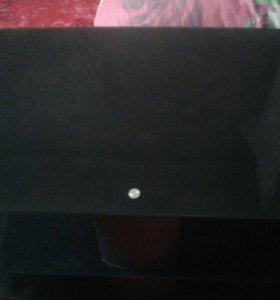 Столик стекляный под телевизор