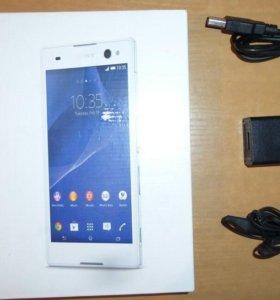 Смартфон Sony Xperia С 3.
