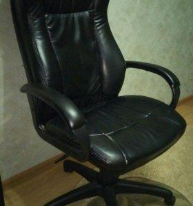 Кресло руководителя БЮРОКРАТ CH-879DG/Black.