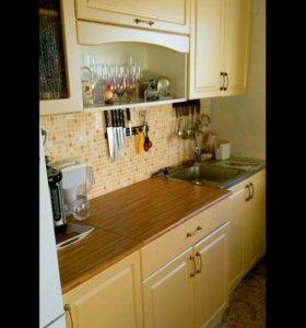 Кухонный гарнитур бежевый