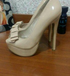 Туфли лаковые 36р.