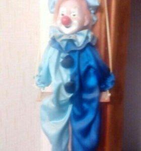 Фарфоровый клоун.