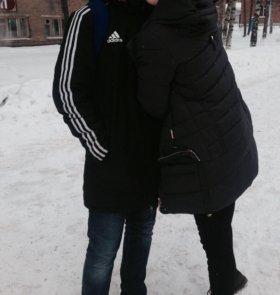 Куртка Адидас (слева)