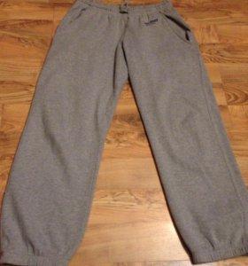 Продам хорошие фирменные брюки хлопок размер-52-54