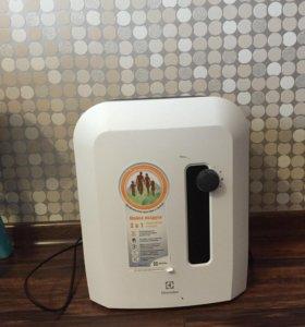 Мойка воздуха/увлажнитель Electrolux EHAW 6515