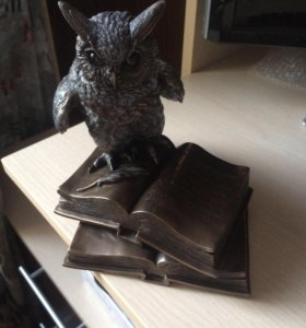 Статуэтка Сова с книгами