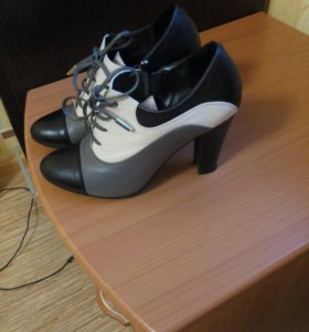 Ботинки. 500 руб. 34 размер