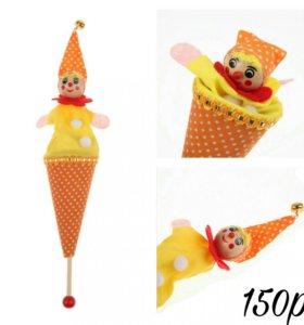 Игрушка прячущийся клоун