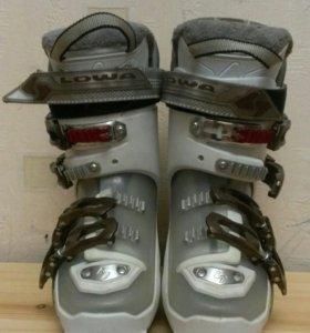 горнолыжные ботинки Lowa AC 65 Lady