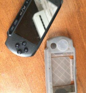 Sony PSP+5 дисков+флешка на 4gb+чехол+зарядка.